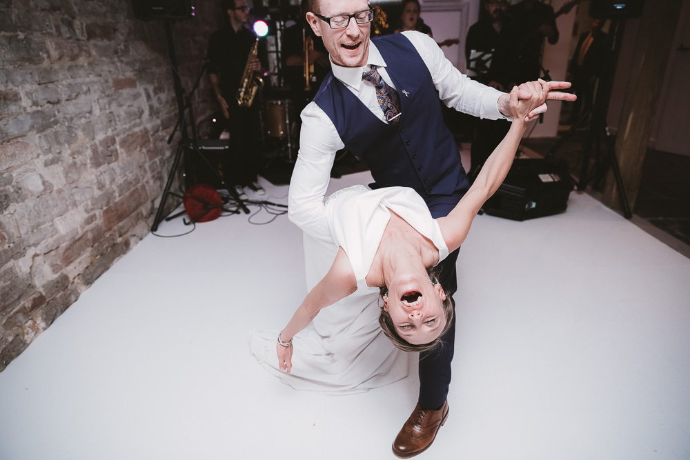 OXFORD WEDDING PHOTOGRAPHER | https://philippajamesphotography.com | epic bride and groom first dance