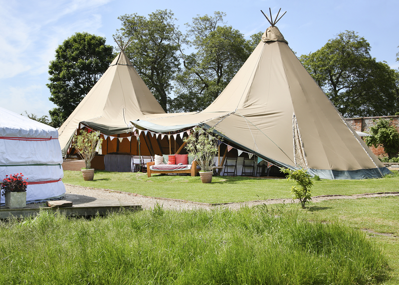 10-amazing-and-alternative-wedding-venues-oxfordshire-(festival-vibe)