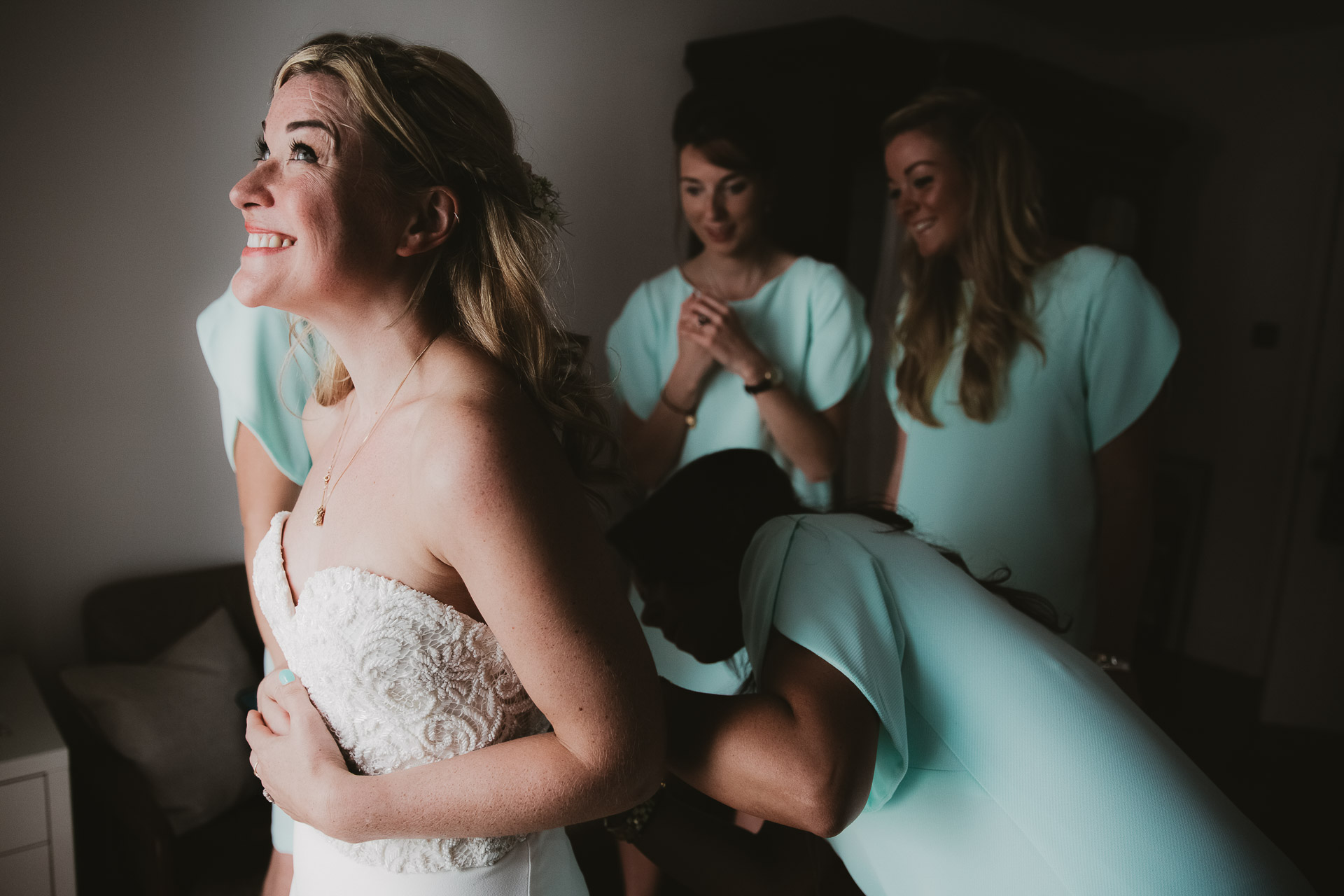 Weddings - bridal preparation - the morning of your wedding day by Philippa James Photography