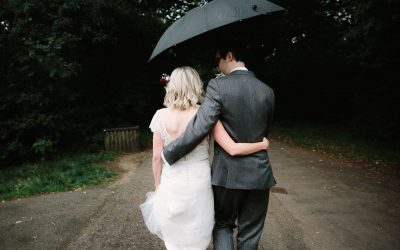 5 TIPS ON EMBRACING RAIN ON YOUR WEDDING DAY