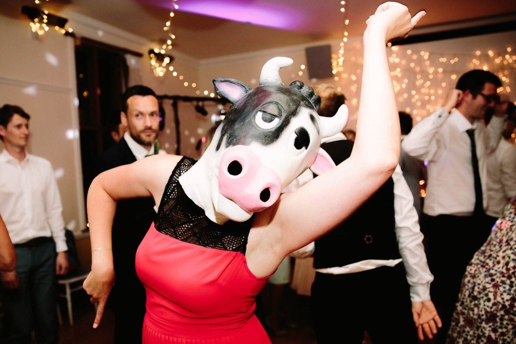 HAVING A WEDDING DISCO? MY TOP TIPS ON CREATING A BUZZING DANCE FLOOR