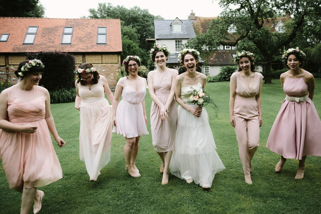 outdoor Oxfordshire wedding by Philippa James Photography