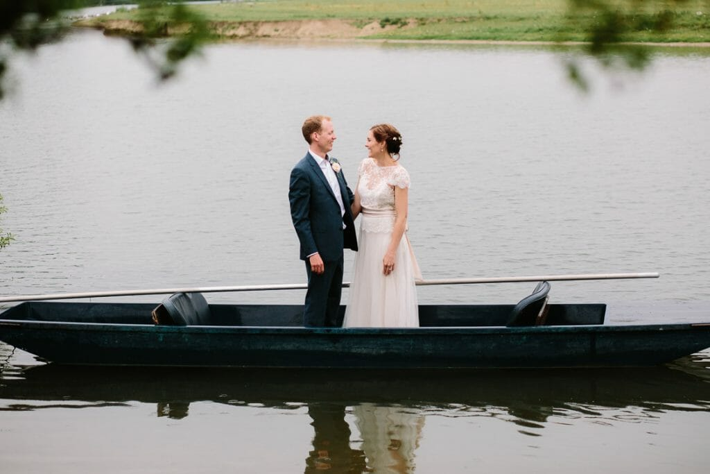 Punting at The Perch Oxford Weddings
