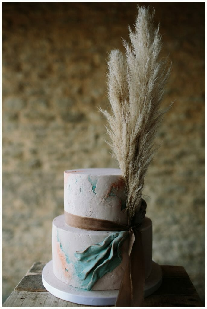 ALTERNATIVE WEDDING CAKE - OXFORDSHIRE