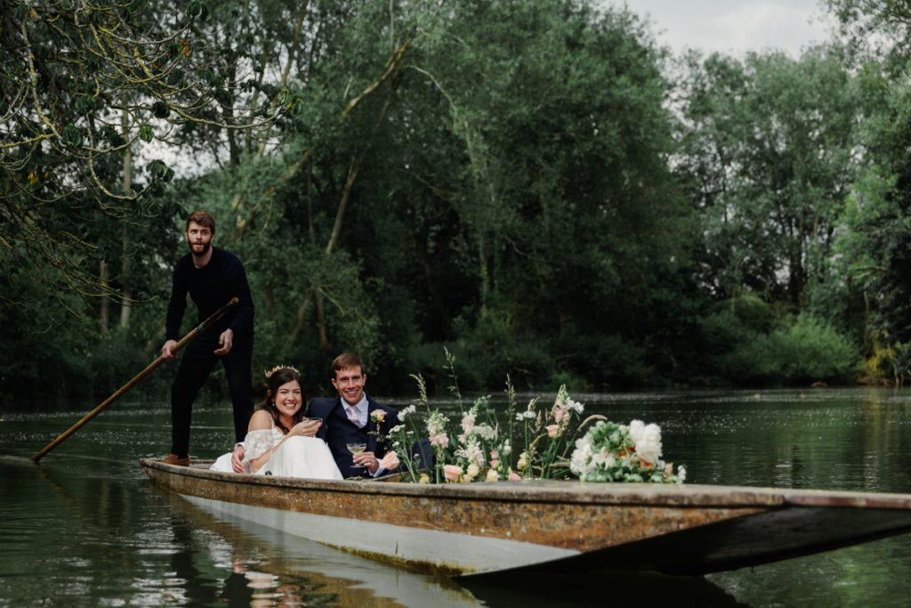 Oxford wedding at Cherwell Boathouse by Philippa James Photography